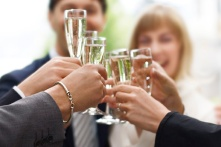 wedding-toast_bybjsi