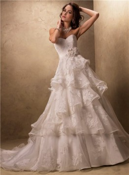 Ball-Gown-Sweetheart-Layered-Ruffled-Tulle-Lace-Wedding-Dress-With-Flowers-Belt