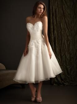 knee-length-sweetheart-neckline-princess-wedding-dress
