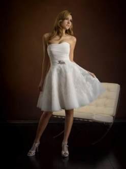 short-fitted-wedding-dress-2018-2019-4