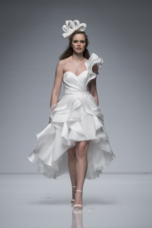 Valentini-Spose-2019-Short-Ruffled-Wedding-Dress